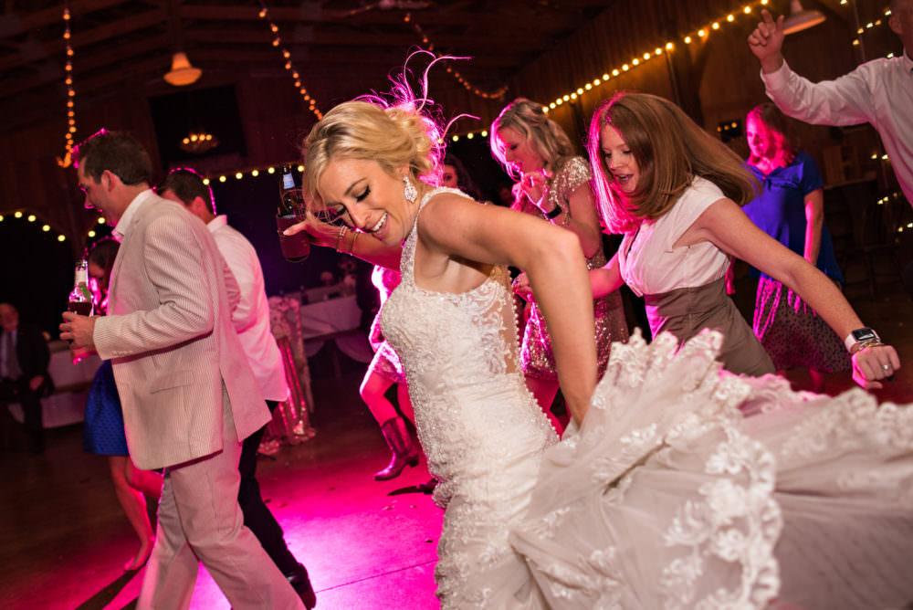 Lindsay-Royce-116-Diamond-D-Ranch-Jacksonville-Wedding-Photographer-Stout-Photography
