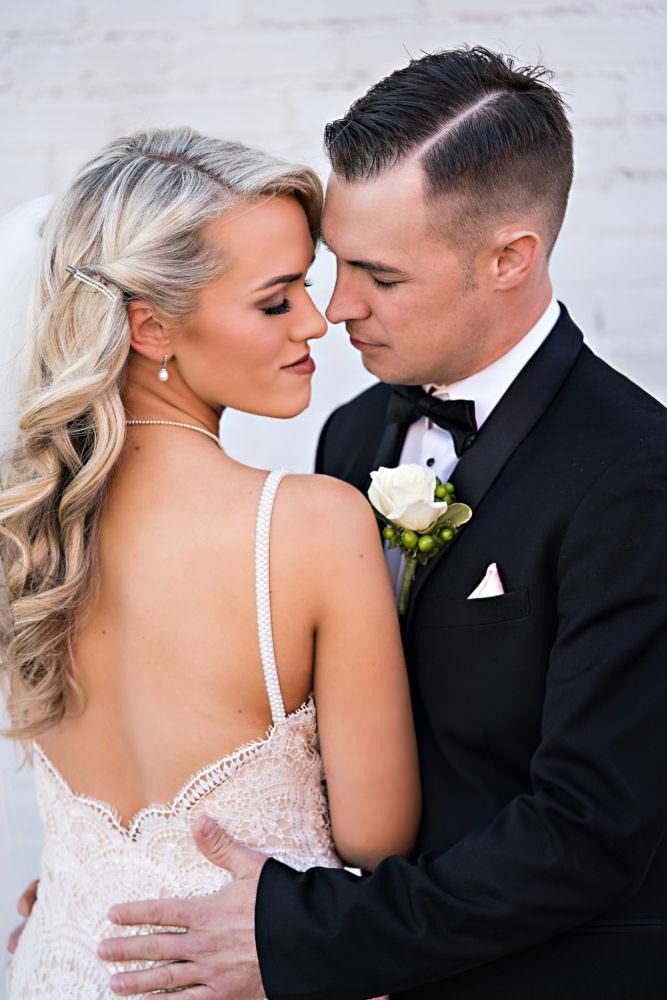 Ellie-Dj-105-The-Glass-Factory-Jacksonville-Wedding-Photographer-Stout-Photography_