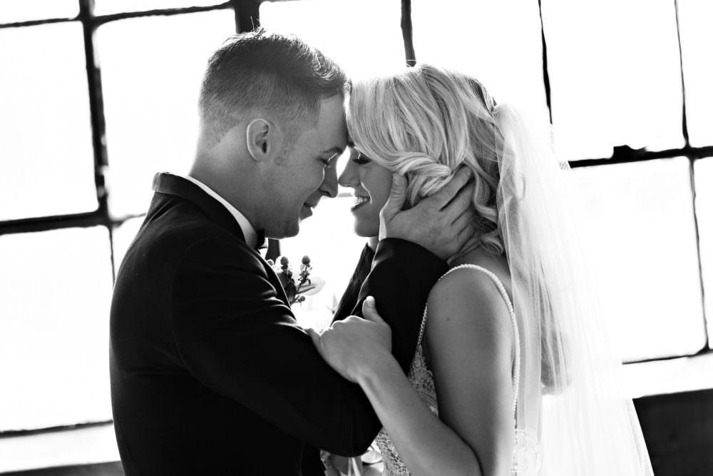Ellie-Dj-56-The-Glass-Factory-Jacksonville-Wedding-Photographer-Stout-Photography_
