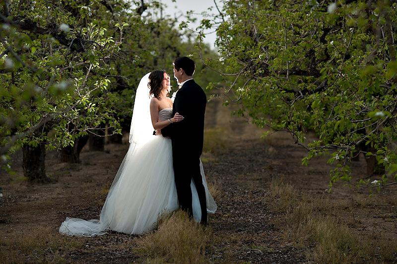 celeste-matt-011-grand-island-mansion-sacramento-wedding-photographer-stout-photography