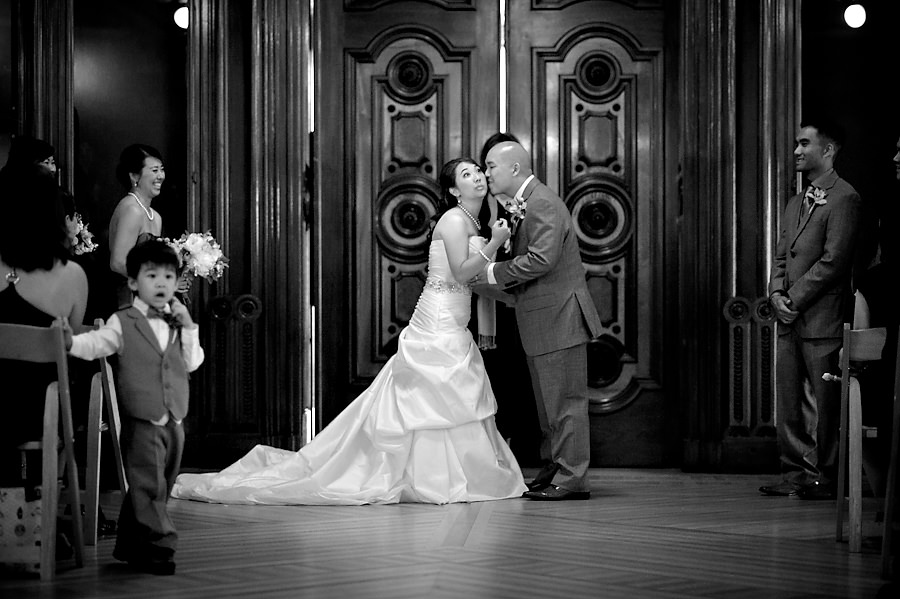 margaret-drew-024-crocker-art-museum-sacramento-wedding-photographer-stout-photography