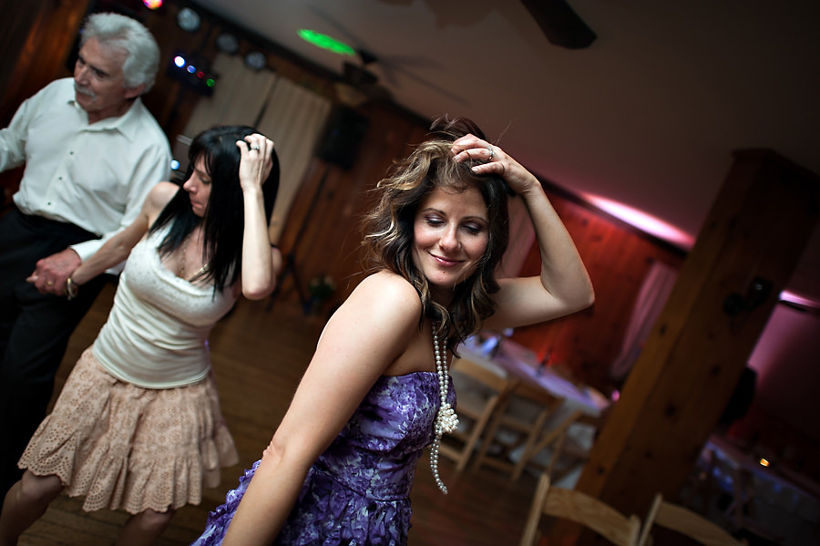 christine-steve-029-forest-house-lodge-foresthill-wedding-photographer-stout-photography