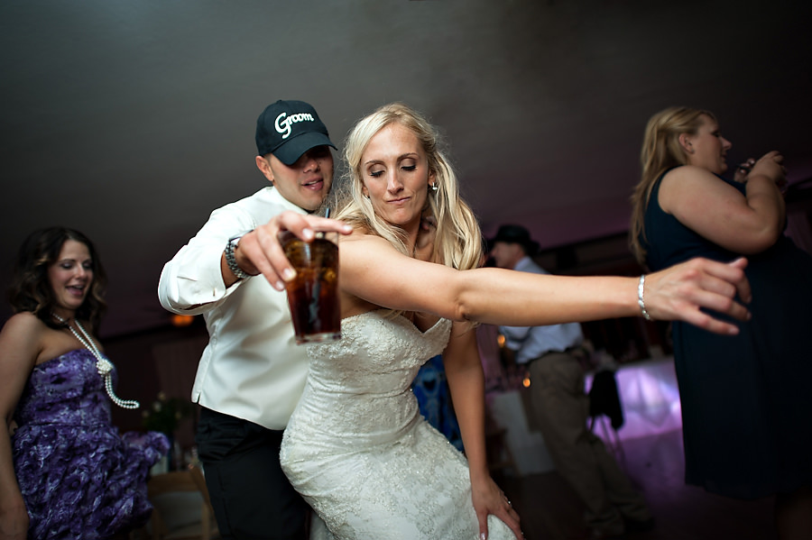 christine-steve-035-forest-house-lodge-foresthill-wedding-photographer-stout-photography