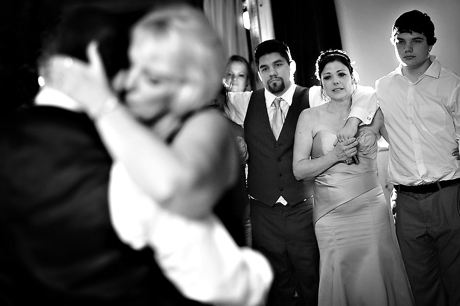 tammie-mike-029-forest-house-lodge-foresthill-wedding-photographer-stout-photography