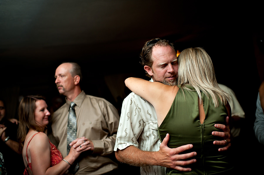 tammie-mike-030-forest-house-lodge-foresthill-wedding-photographer-stout-photography