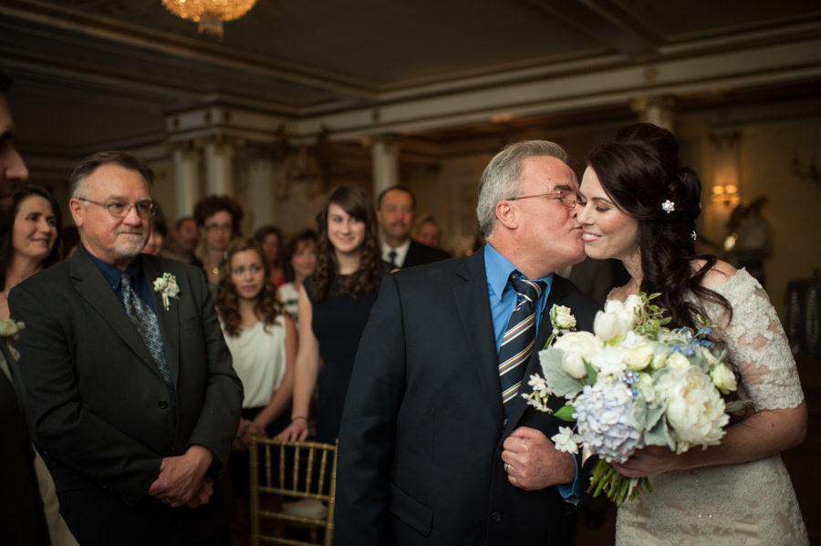 amy-chris-014-grand-island-mansion-sacramento-wedding-photographer-stout-photography