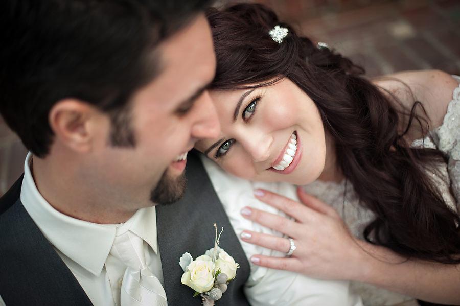 amy-chris-019-grand-island-mansion-sacramento-wedding-photographer-stout-photography