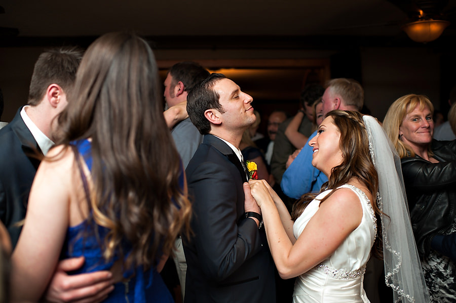 gina-zac-007-forest-house-lodge-foresthill-wedding-photographer-stout-photography