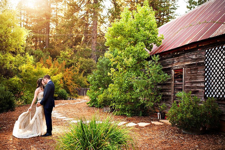 denie-david-025-monte-verde-inn-foresthill-wedding-photographer-stout-photography