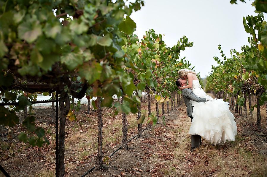 jerika-jimmy-022-ironstone-vineyard-murpheys-wedding-photographer-stout-photography