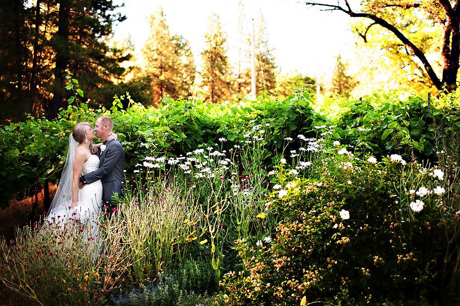 missy-matt-024-monte-verde-inn-foresthill-wedding-photographer-stout-photography