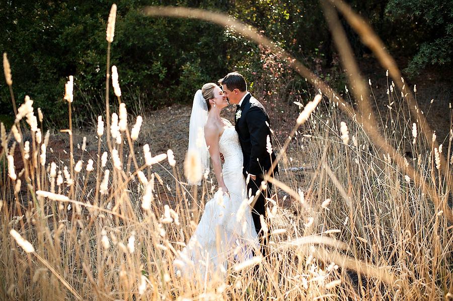 nicole-brent-020-monte-verde-inn-foresthill-wedding-photographer-stout-photography
