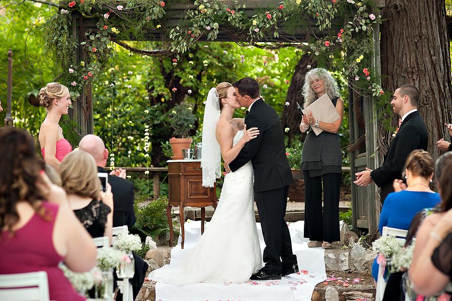 nicole-brent-025-monte-verde-inn-foresthill-wedding-photographer-stout-photography