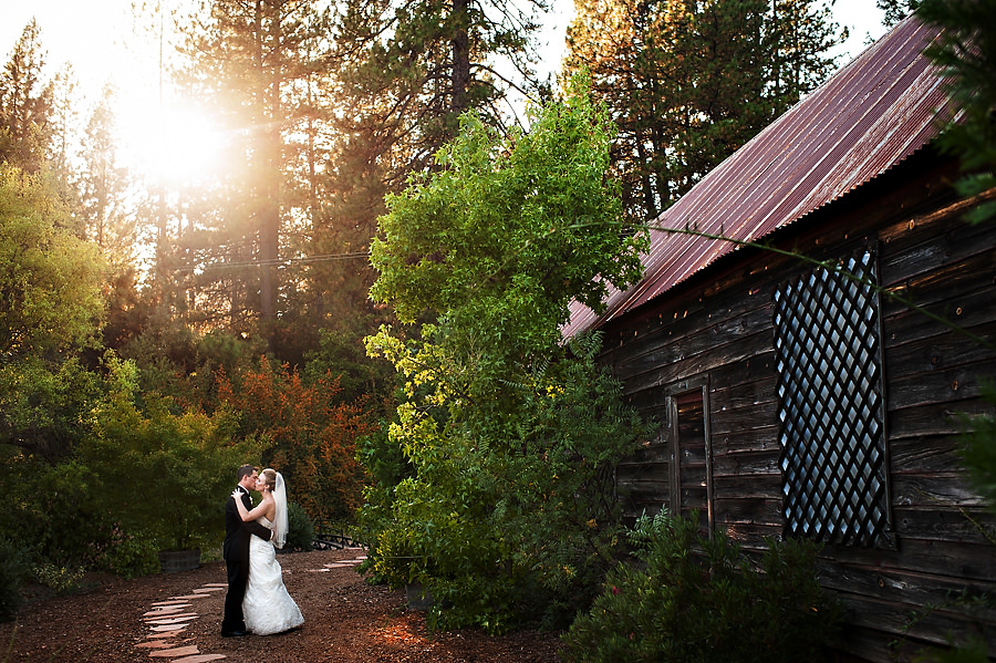 nicole-brent-026-monte-verde-inn-foresthill-wedding-photographer-stout-photography