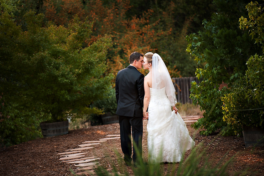 nicole-brent-027-monte-verde-inn-foresthill-wedding-photographer-stout-photography