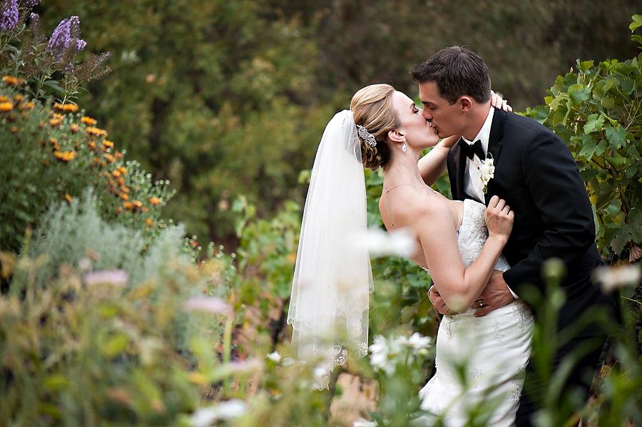 nicole-brent-028-monte-verde-inn-foresthill-wedding-photographer-stout-photography