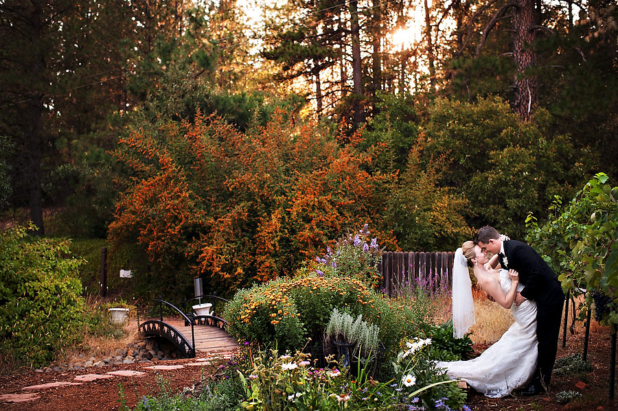 nicole-brent-029-monte-verde-inn-foresthill-wedding-photographer-stout-photography