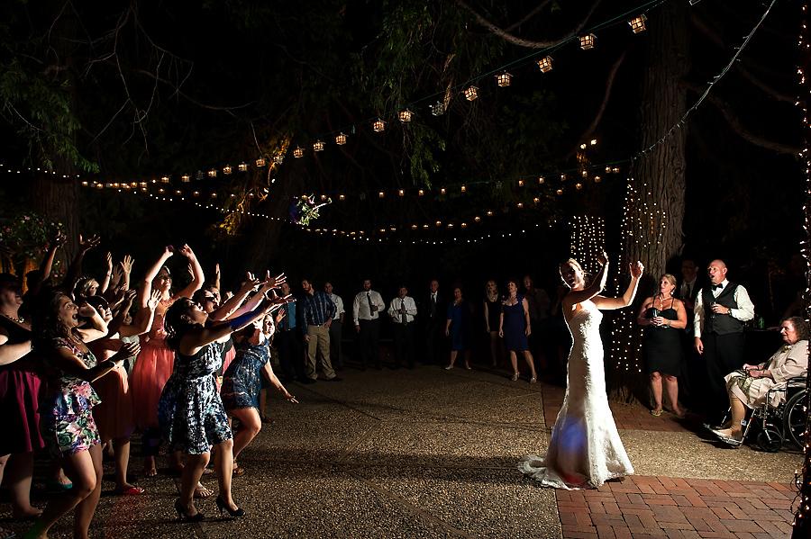 nicole-brent-052-monte-verde-inn-foresthill-wedding-photographer-stout-photography