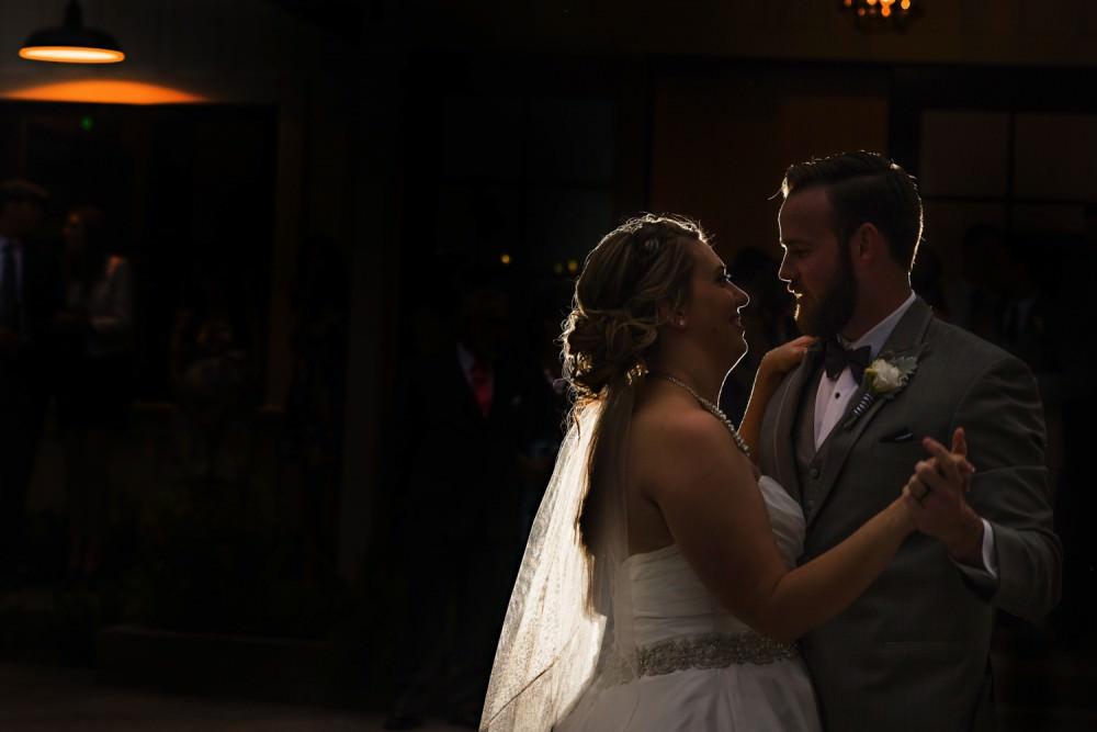 Jessie-Ken-51-Park-Winters-Wedding-Photographer-Stout-Photography