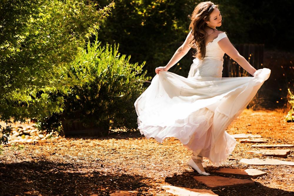 Rachelle-Darby-17-Monte-Verde-Inn-Foresthill-Wedding-Photographer-Stout-Photography
