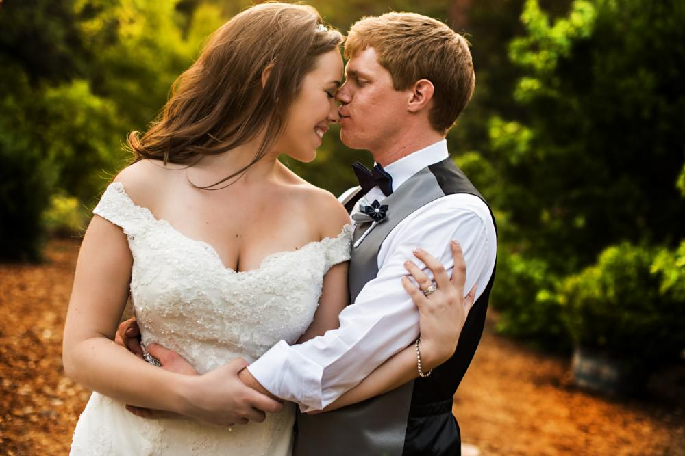 Rachelle-Darby-49-Monte-Verde-Inn-Foresthill-Wedding-Photographer-Stout-Photography