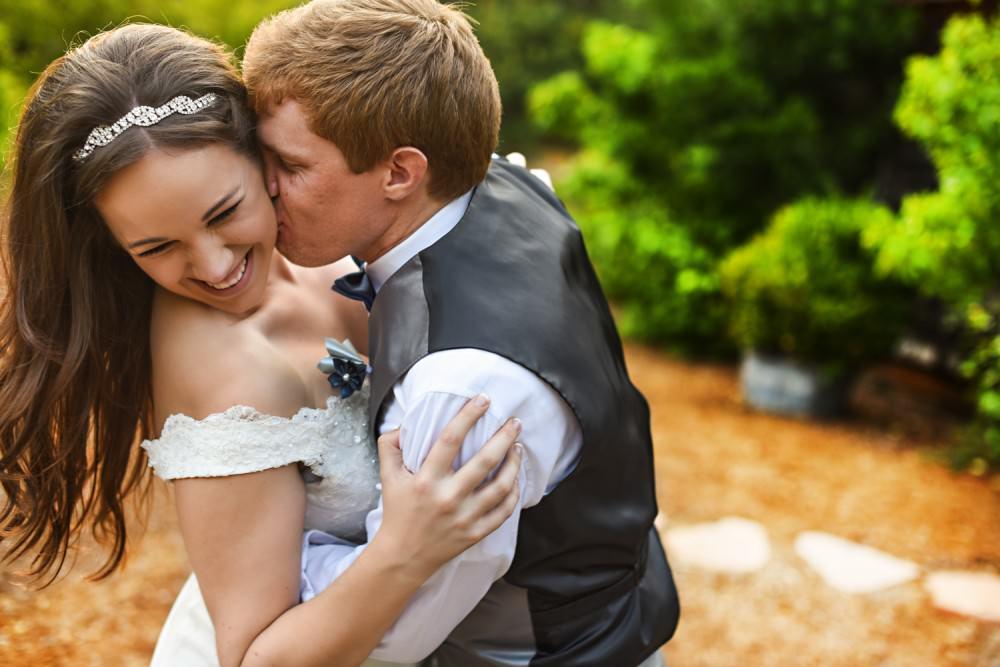 Rachelle-Darby-51-Monte-Verde-Inn-Foresthill-Wedding-Photographer-Stout-Photography