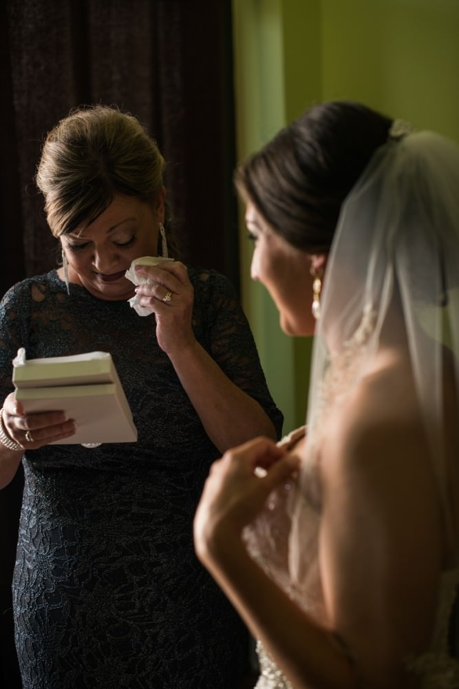 Rachel-Steven-12-Hyatt-Regency-Savannah-Wedding-Photographer-Stout-Photography