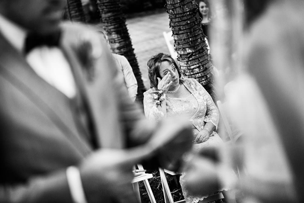 Mindy-Mike-65-Jacksonville-Zoo-And-Gardens-Wedding-Photographer-Stout-Photography