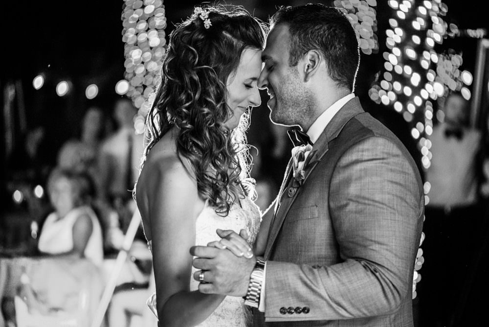 Mindy-Mike-77-Jacksonville-Zoo-And-Gardens-Wedding-Photographer-Stout-Photography