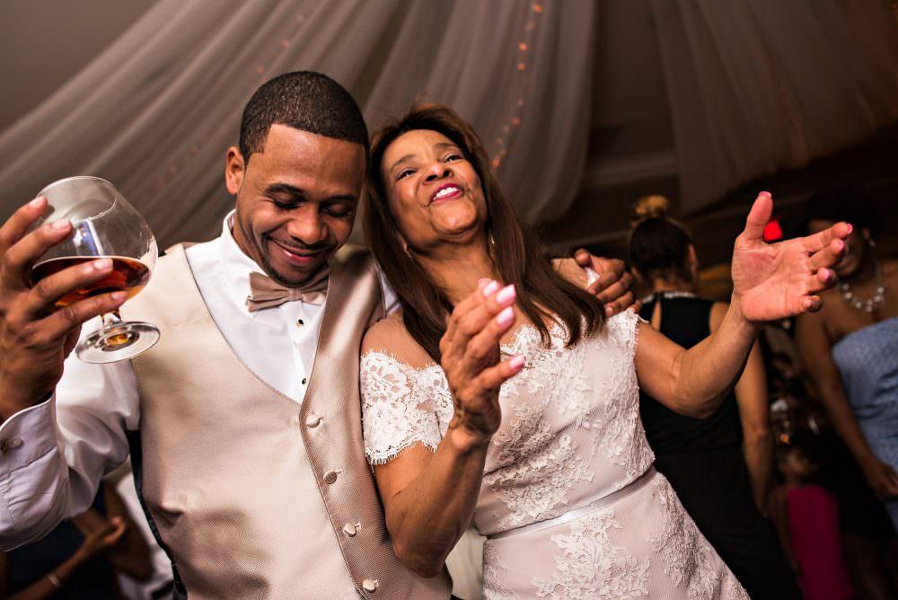 Yasmin-Lloyd-110-Queens-Harbor-Yacht-Club-Jacksonville-Wedding-Photographer-Stout-Photography