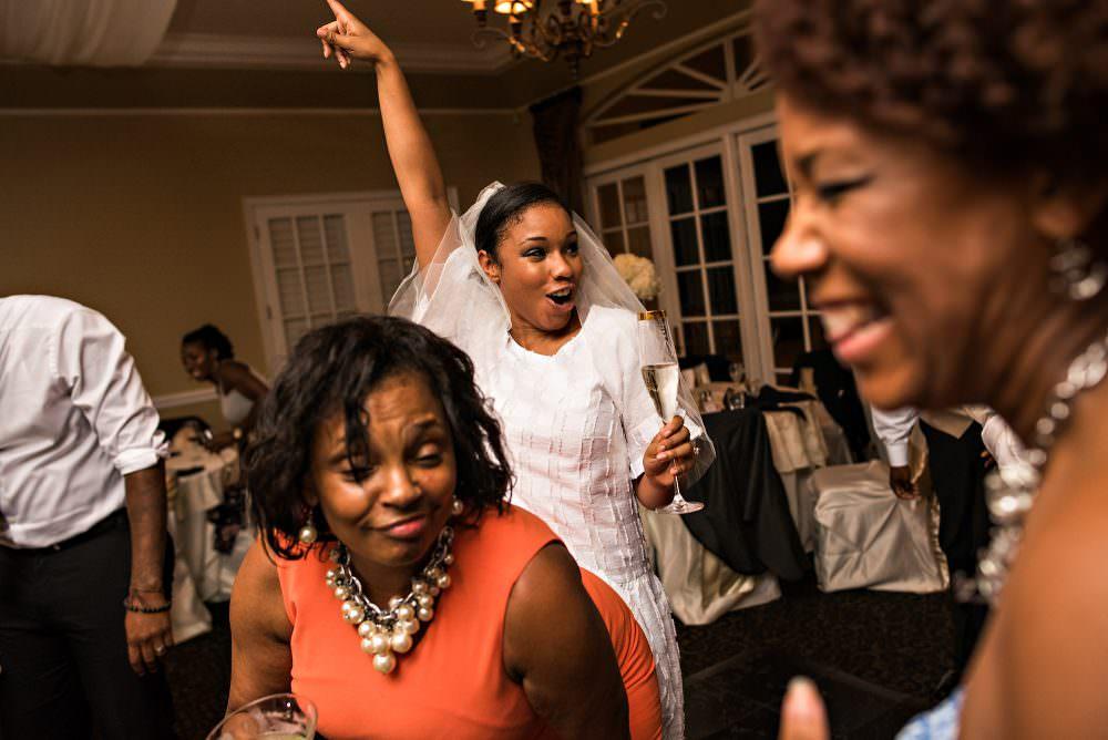 Yasmin-Lloyd-119-Queens-Harbor-Yacht-Club-Jacksonville-Wedding-Photographer-Stout-Photography