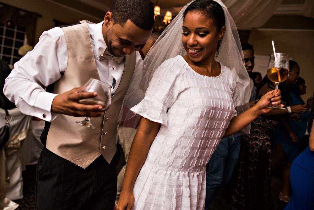 Yasmin-Lloyd-122-Queens-Harbor-Yacht-Club-Jacksonville-Wedding-Photographer-Stout-Photography