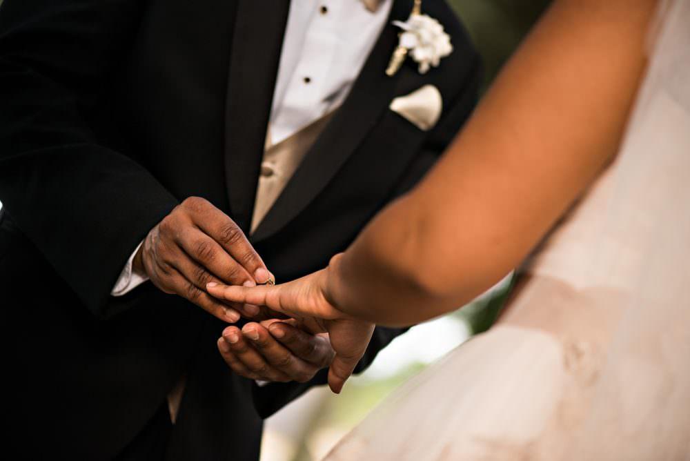 Yasmin-Lloyd-66-Queens-Harbor-Yacht-Club-Jacksonville-Wedding-Photographer-Stout-Photography