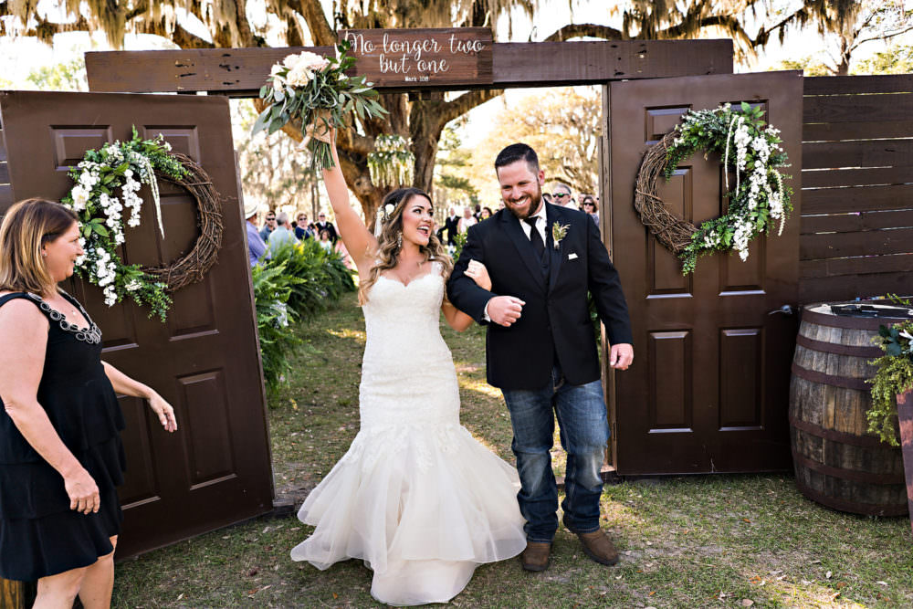 Caitlin-Kevin-47-Santa-Fe-River-Ranch-Florida-Wedding-Photographer-Stout-Studios