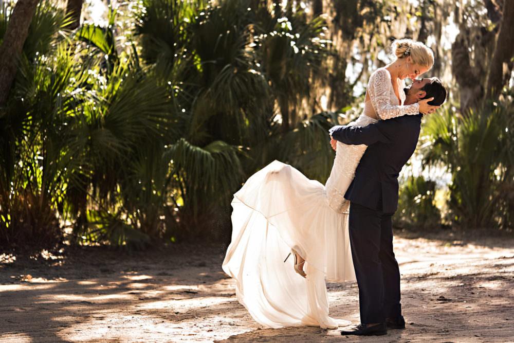 Michelle-Elliot-47-Walkers-Landing-Omni-Amelia-Island-Wedding-Photographer-Stout-Studios