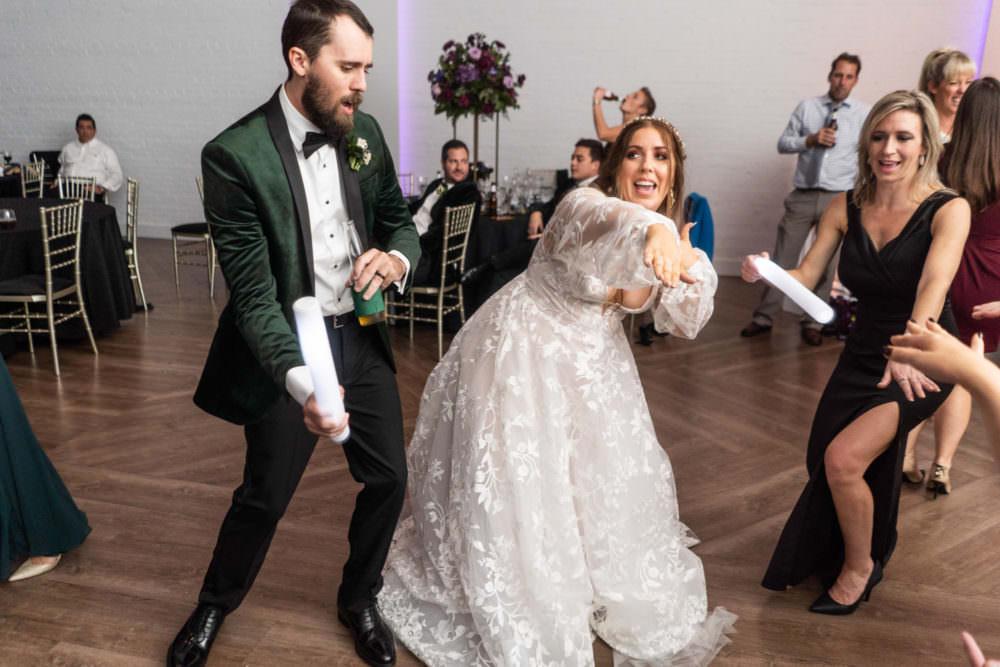 Dana-Erik-47-Clay-Theater-Jacksonviille-Wedding-Photographer-Stout-Studios