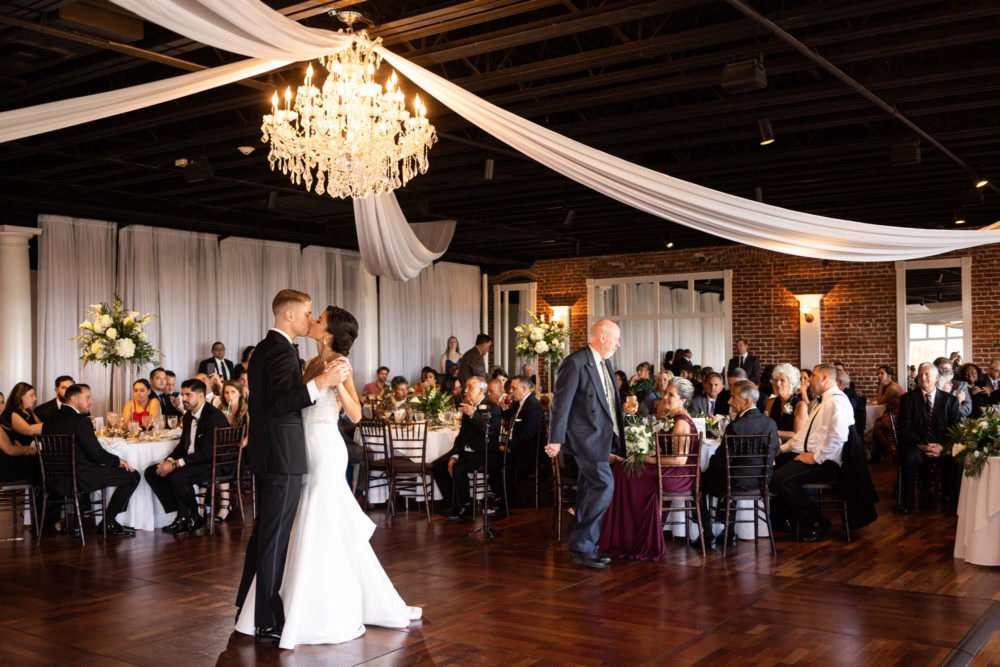 Amanda-Dennis-109-The-White-Room-St-Augustine-Wedding-Photographer-Stout-Studios-1000x667