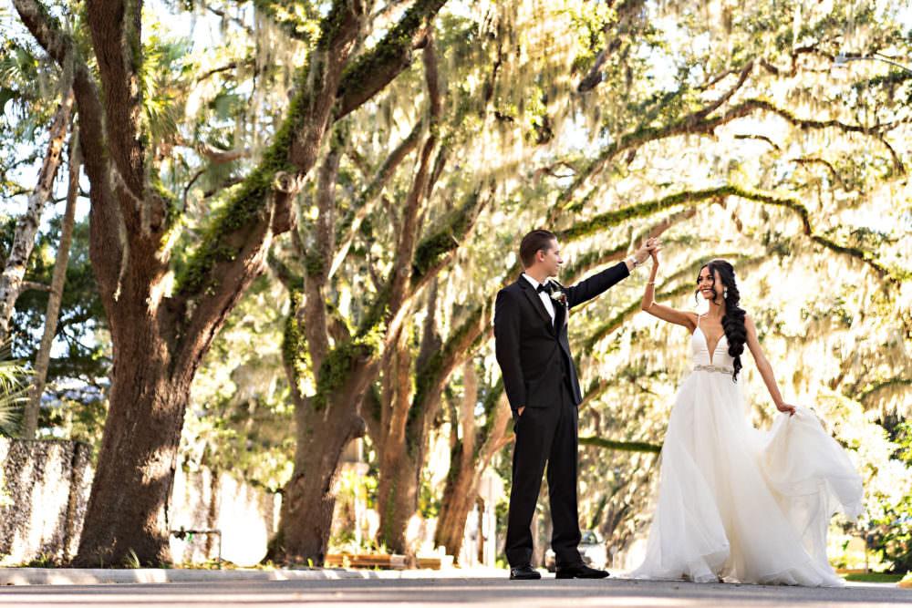 Lauren-Brandon-5-Jacksonville-Engagement-Wedding-Photographer-Stout-Studios-1000x667