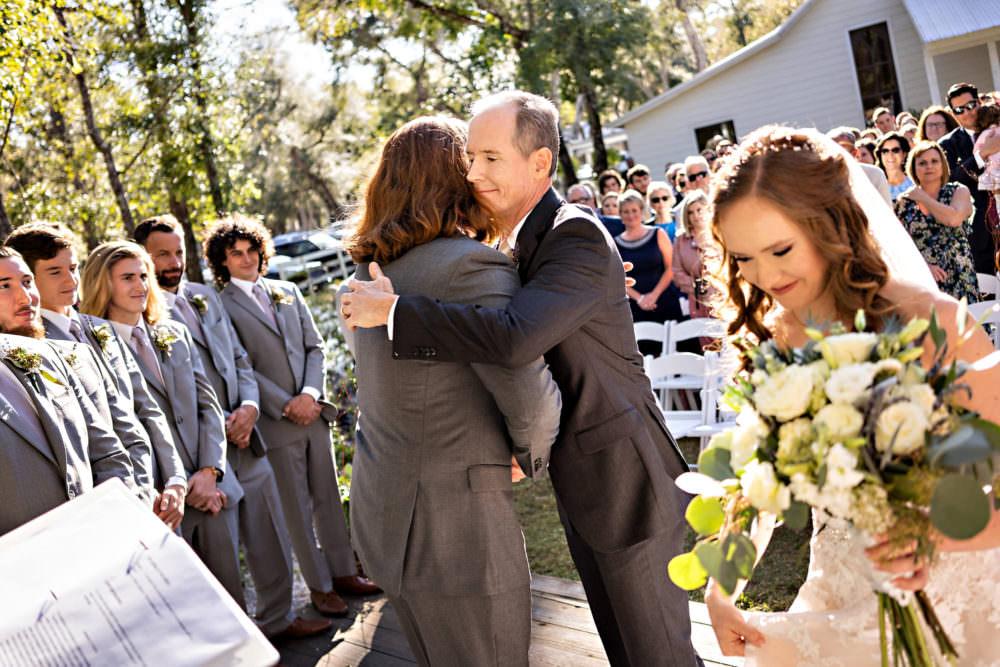 Amanda-Magnus-18-Chandler-Oaks-Jacksonville-Wedding-Photographer-Stout-Studios