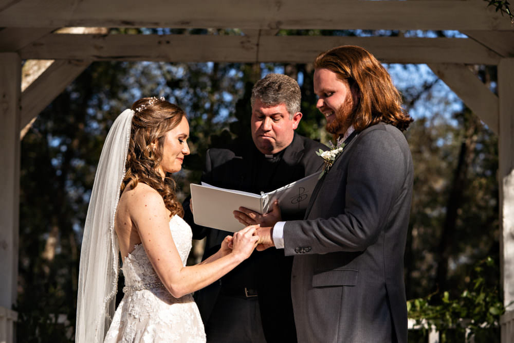 Amanda-Magnus-23-Chandler-Oaks-Jacksonville-Wedding-Photographer-Stout-Studios