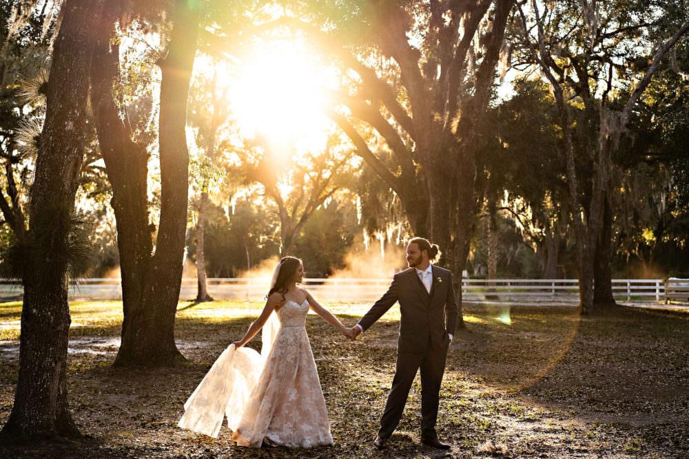 Amanda-Magnus-43-Chandler-Oaks-Jacksonville-Wedding-Photographer-Stout-Studios