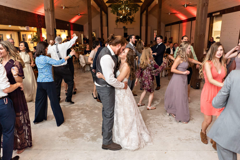 Amanda-Magnus-73-Chandler-Oaks-Jacksonville-Wedding-Photographer-Stout-Studios