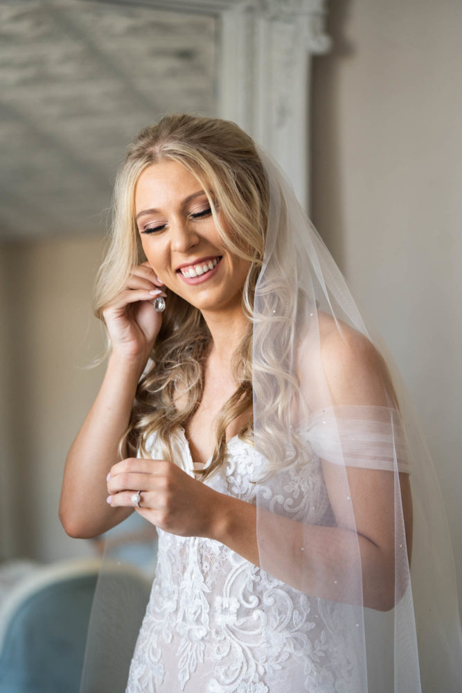 Savanna-Will- 3-The-White-Room-St-Augustine-Wedding-Engagement-Photographer-Stout-Studios